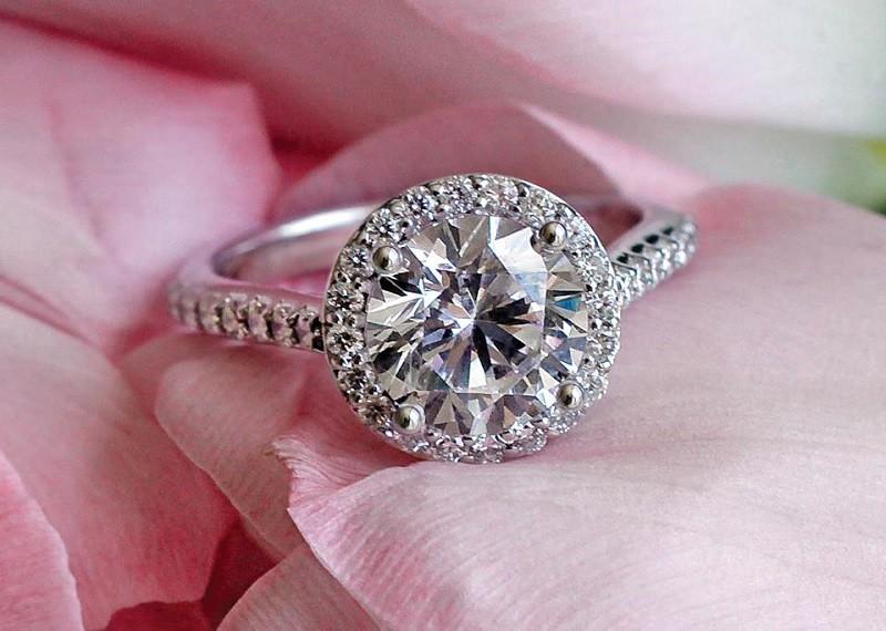 Ценность кольца с бриллиантами – от чего она зависит, как и кем определяется