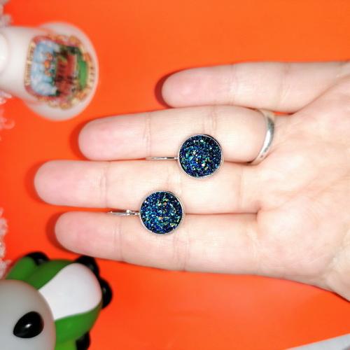 Серьги серебристые из кристаллизированной смолы синие