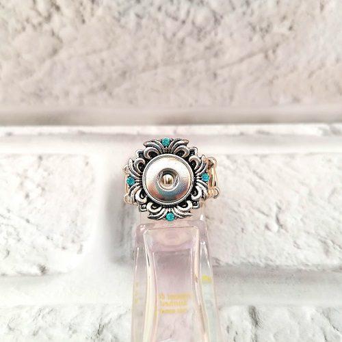 Кольцо под кнопку с голубыми стразами