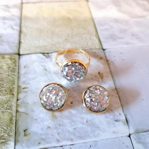 Серьги-гвоздики золотистые с блёстками