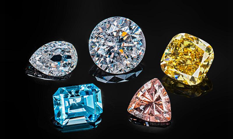 Выбор бриллиантов при покупке: важнее чистота или цвет
