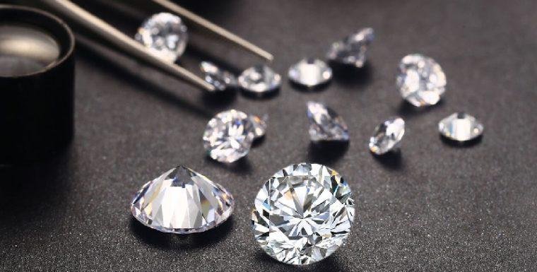 Разница между алмазом с улучшенной чистотой и естественным камнем